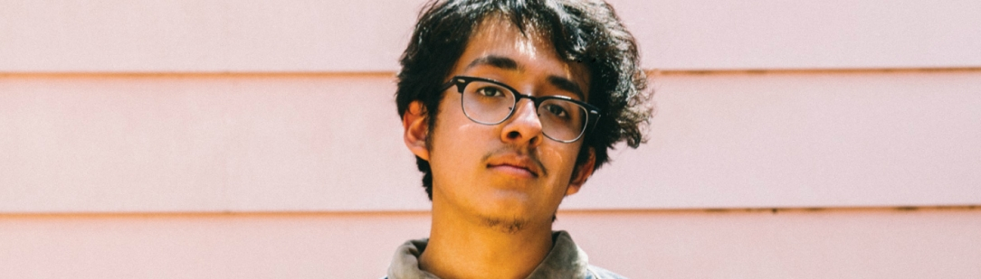 "Cuco Announces Debut Album ""Para Mí"" & Shares New Song ""Feelings"""